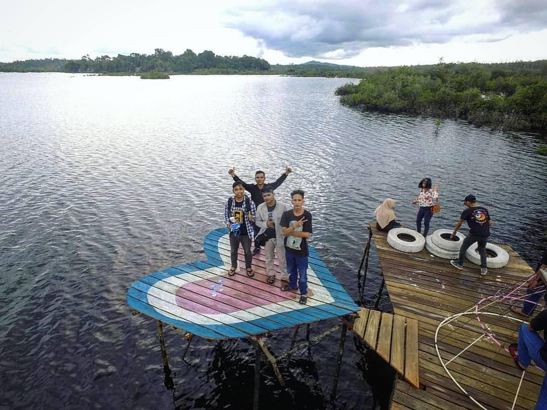 lokasi wisata danau laet