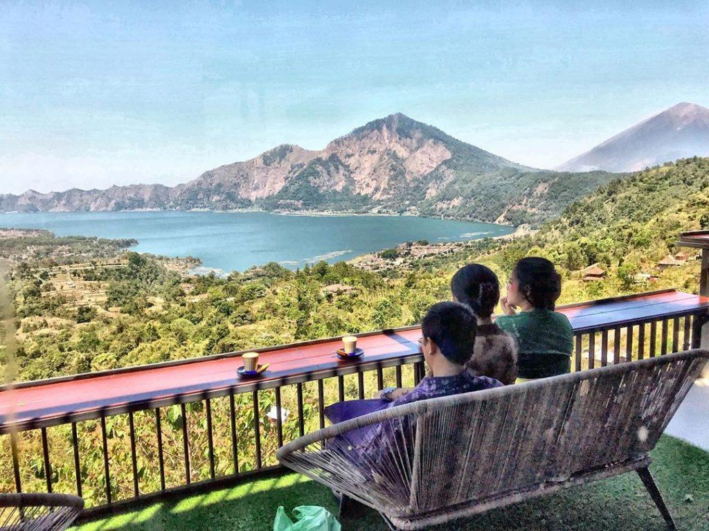 menikmati gunung dan danau batur