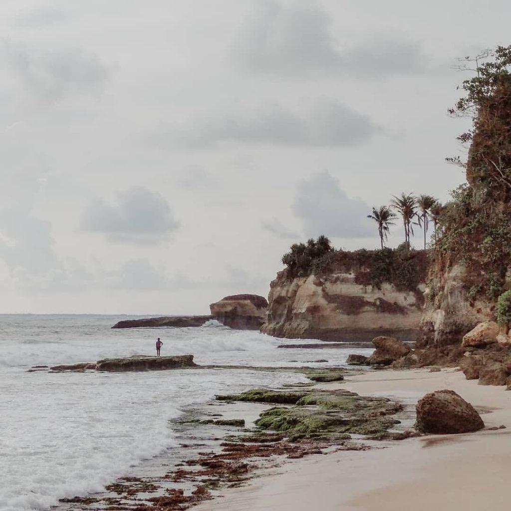 pantai di sukabumi rasa bali