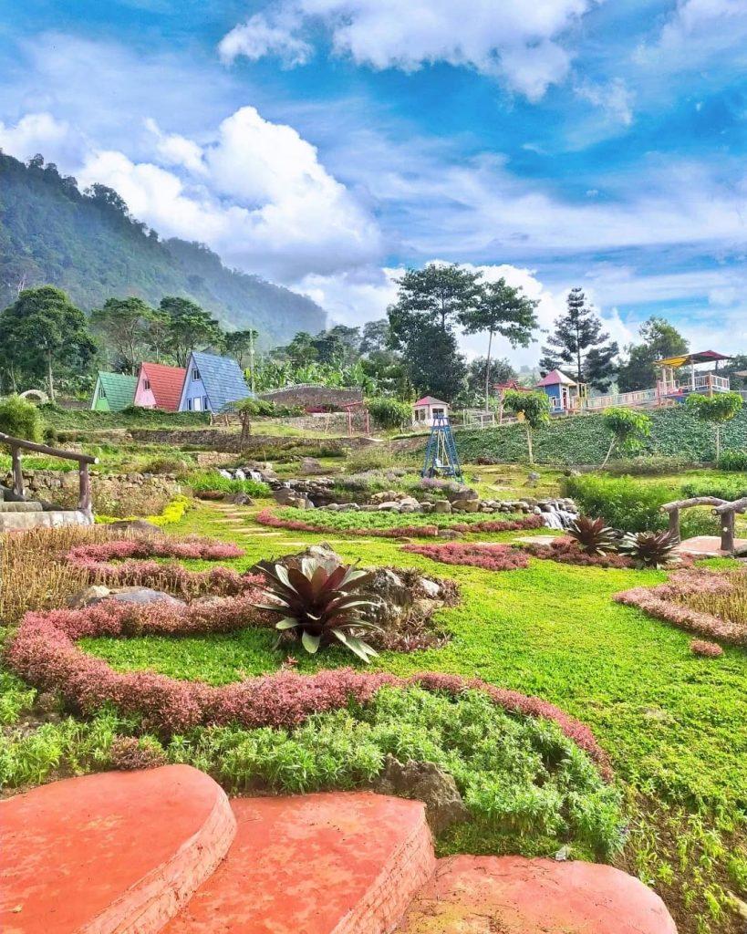 taman di lokasi nirvana valley resort