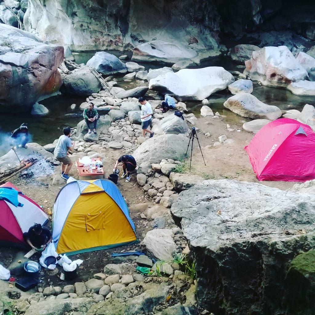 tempat camping di cisameng bandung barat