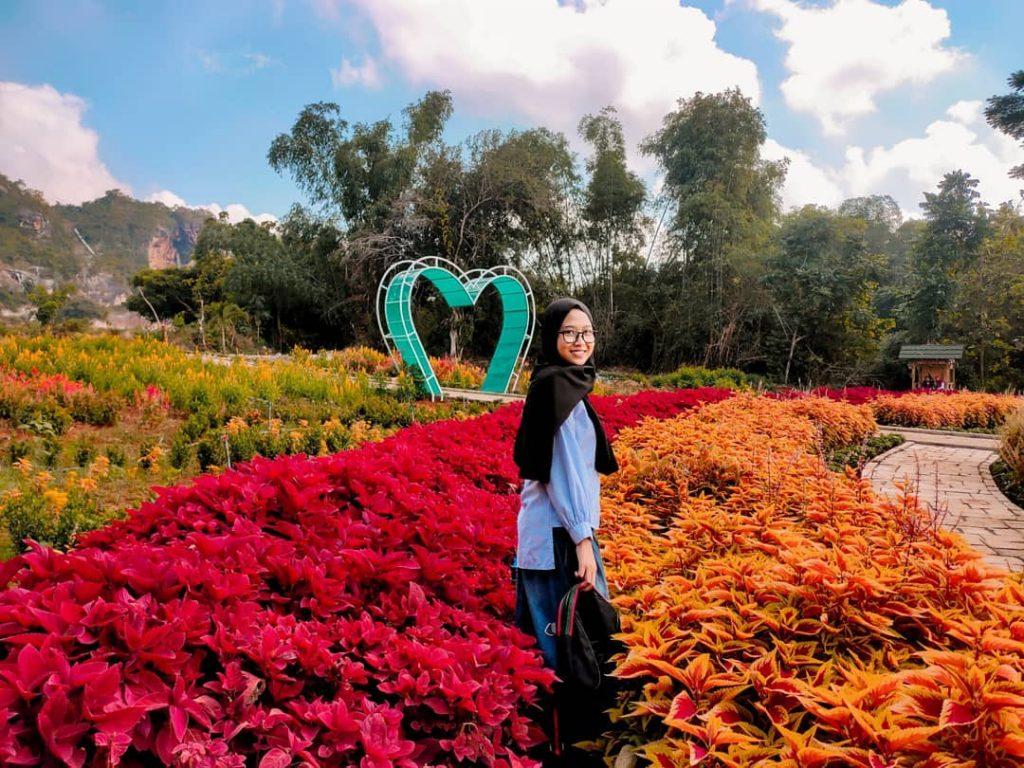 spot taman bunga