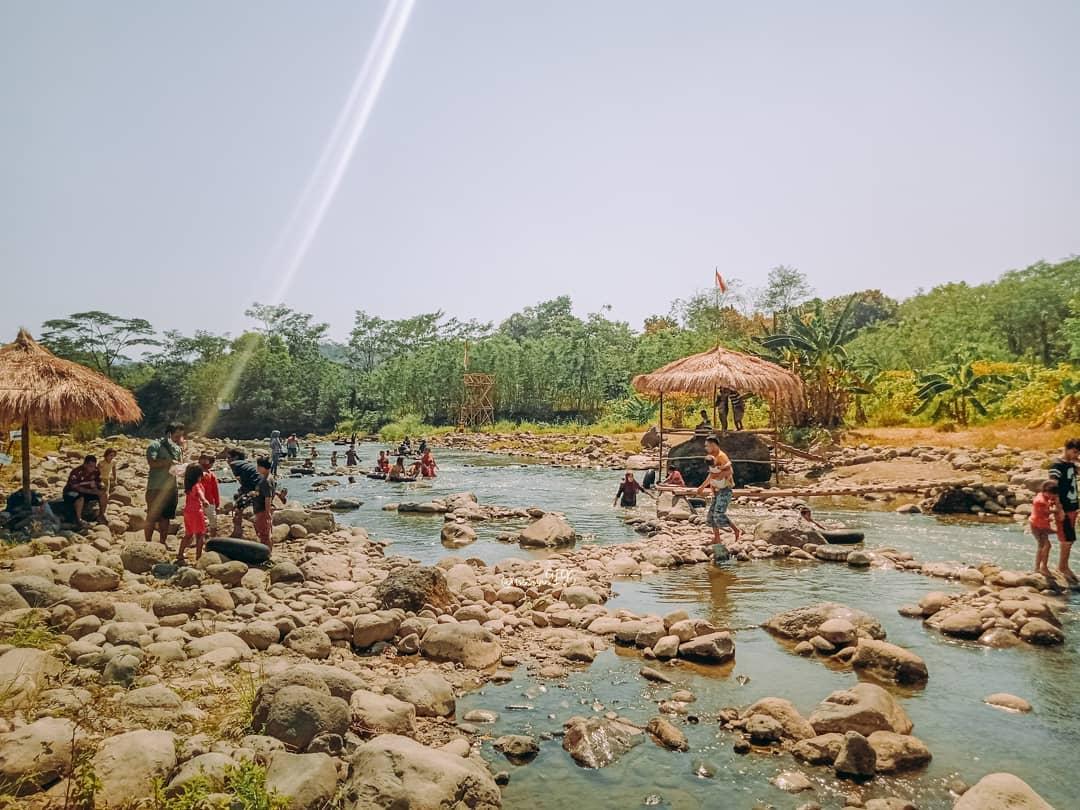 wisata sungai di gunung pati