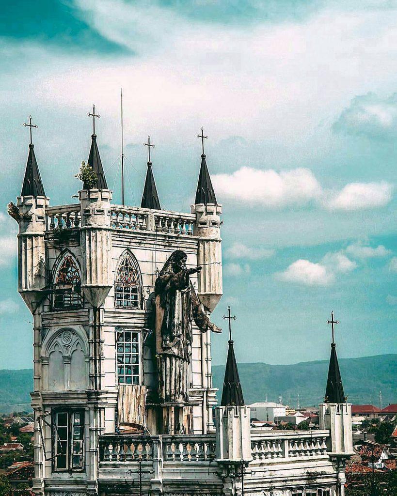gereja sayidan, wisata angker nan instagenic