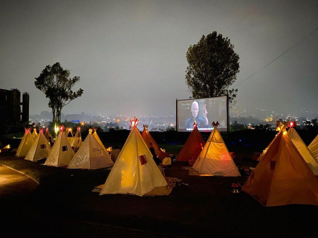htm tenda di bawah bintang