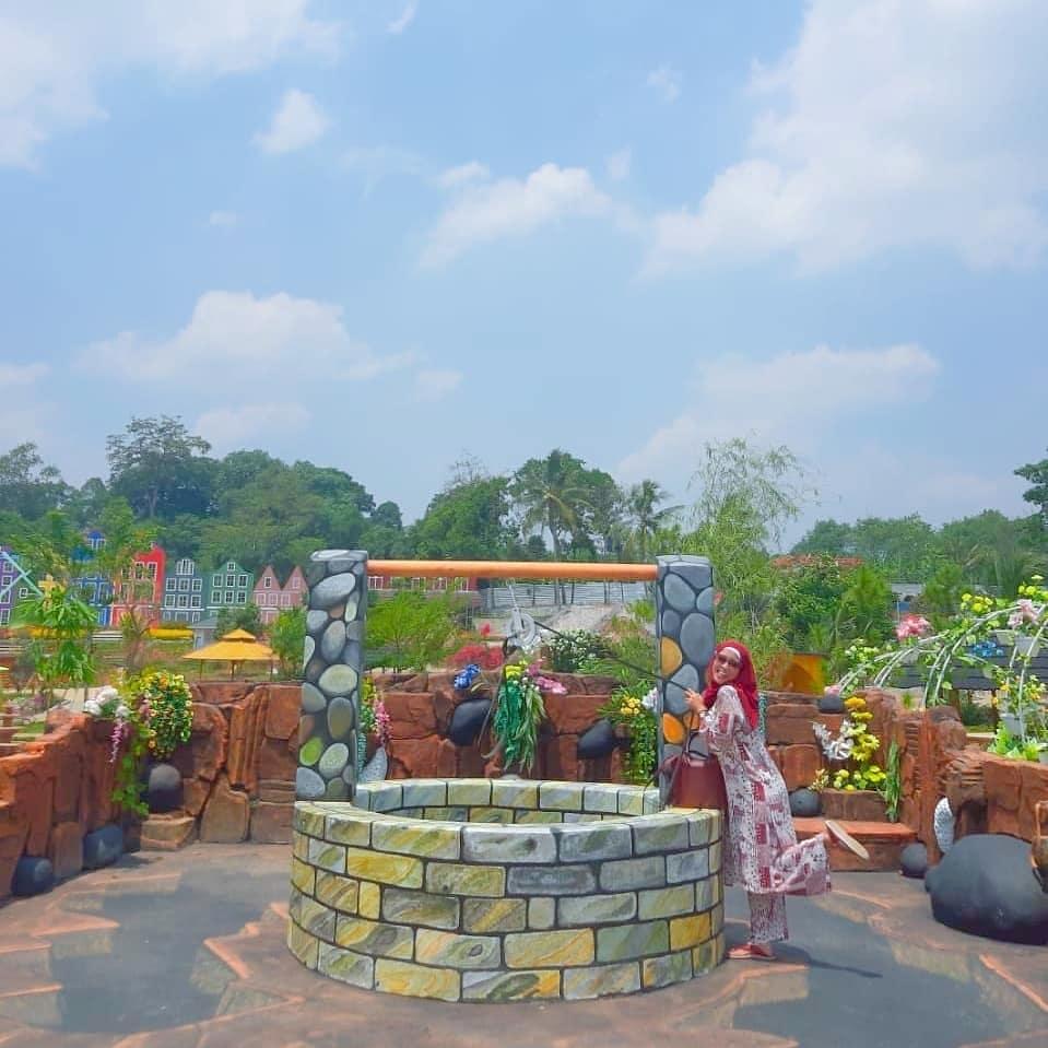 spot foto di taman mahoni bangun sentosa