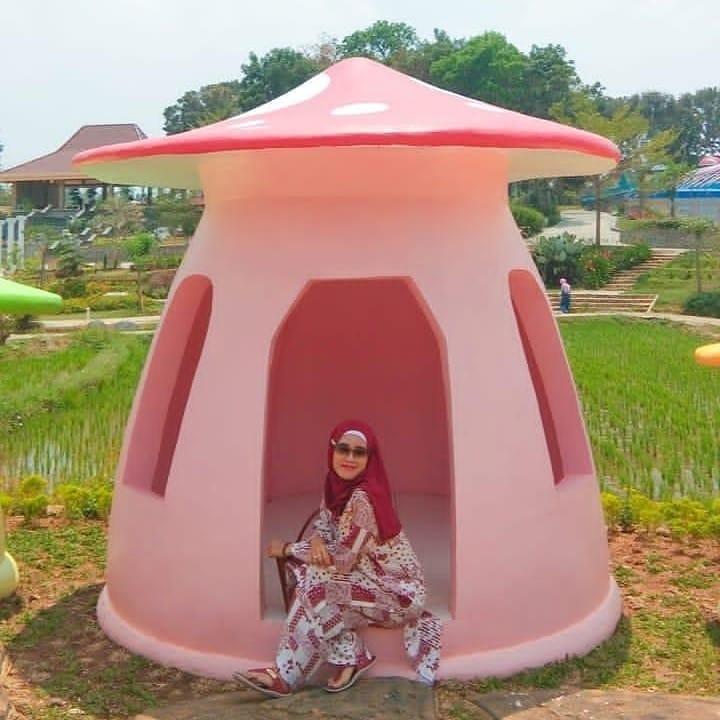 spot foto jamur di wisata mbs serang