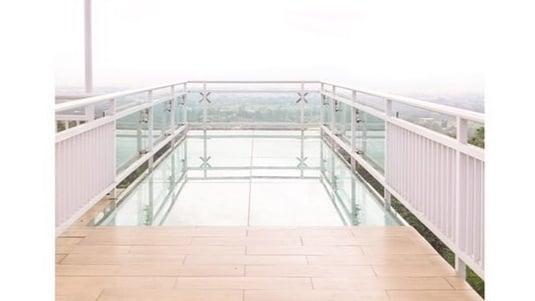 spot jembatan kaca