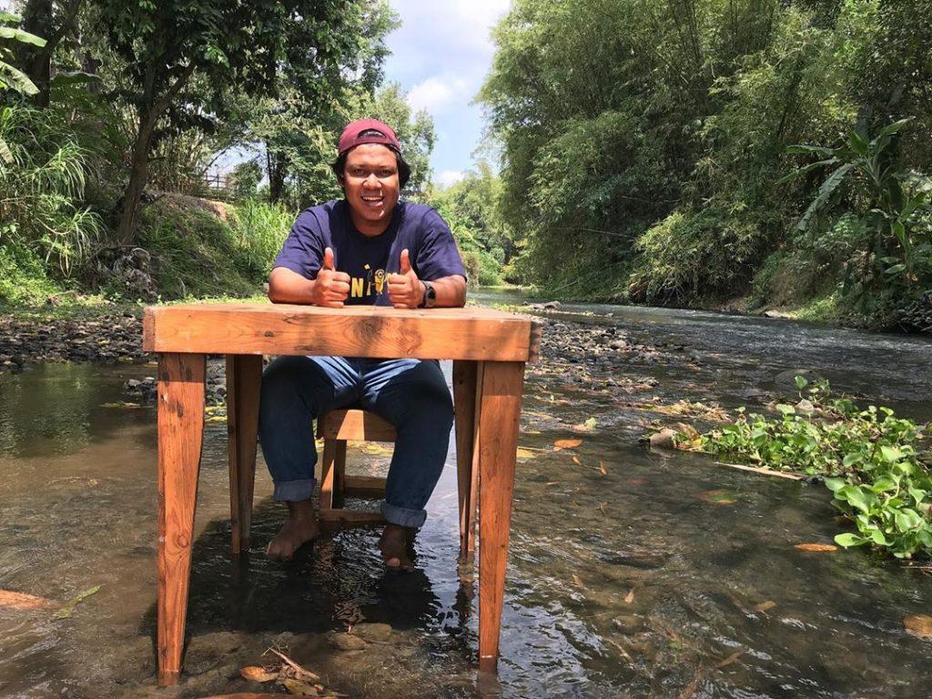 tempat makan di jogja pinggir sungai
