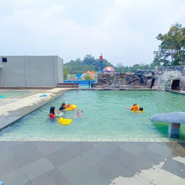 wahana kolam renang di lokasi MBS serang