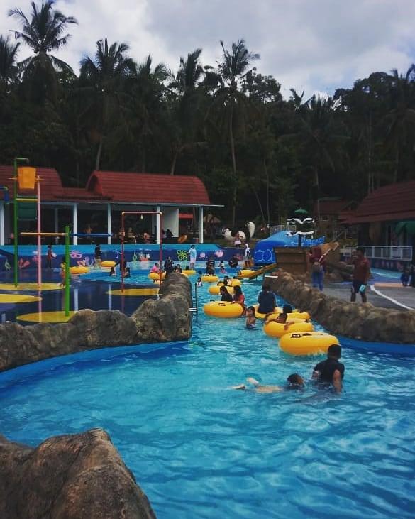 wahana kolam renang di azb