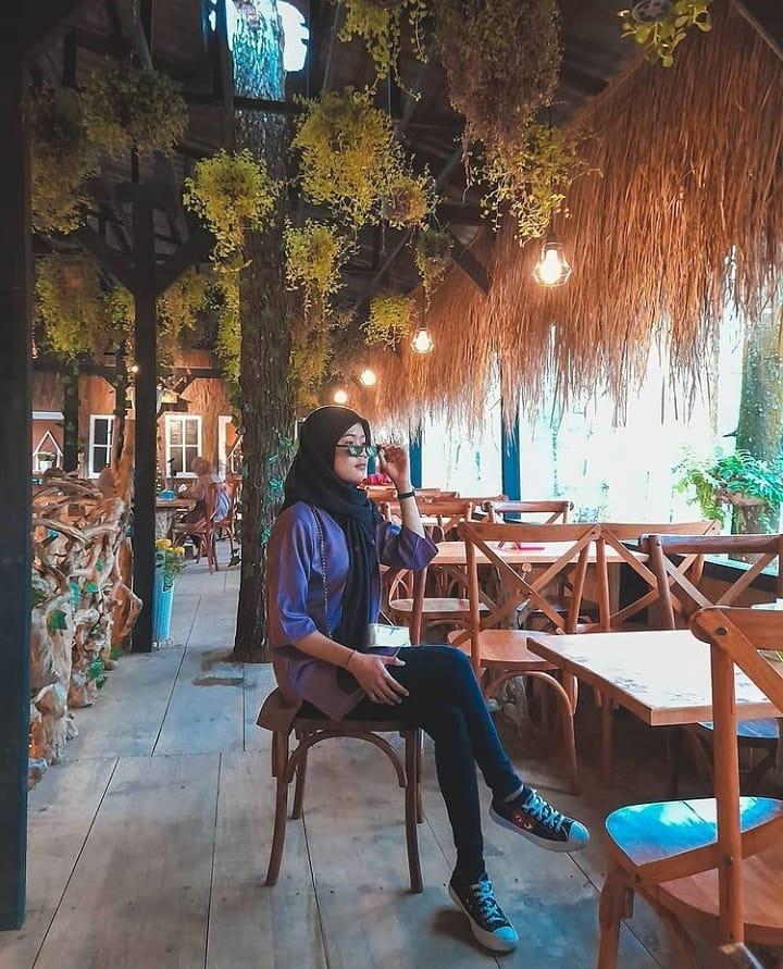 menu rumah bunga cafe nongkojajar