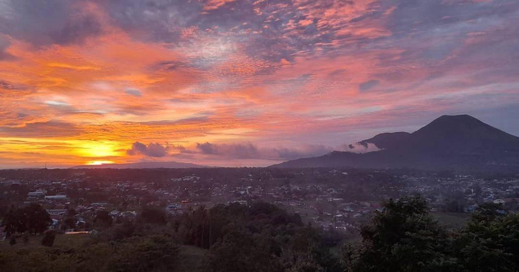 sunset kota tomohon yang memukau