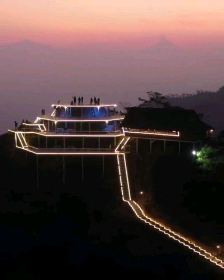 wisata tumpeng menoreh malam hari
