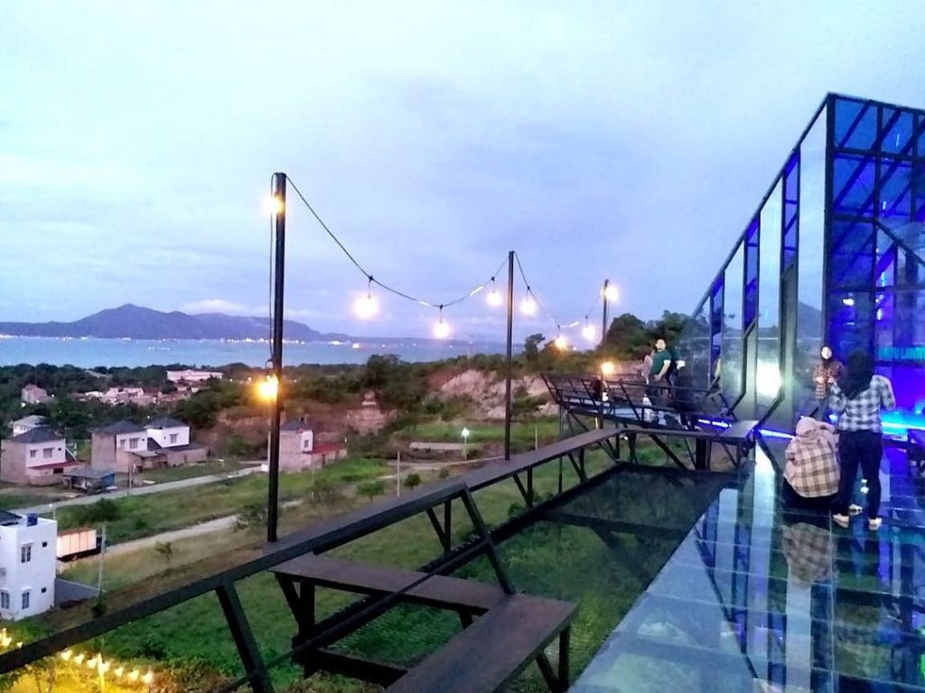 jembatan kaca di lampung