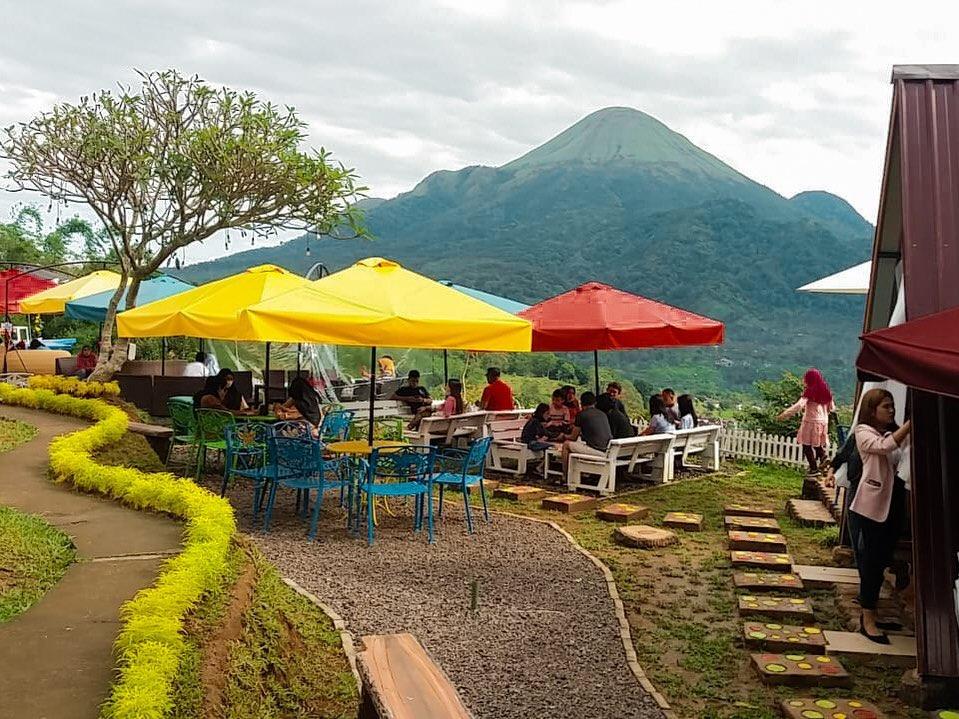htm cafe jungle trawas