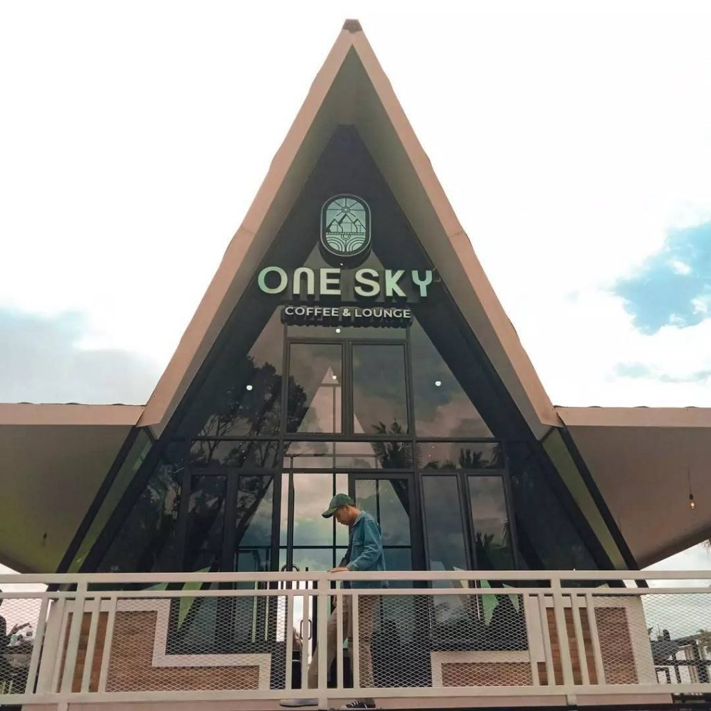 one sky coffee & lounge