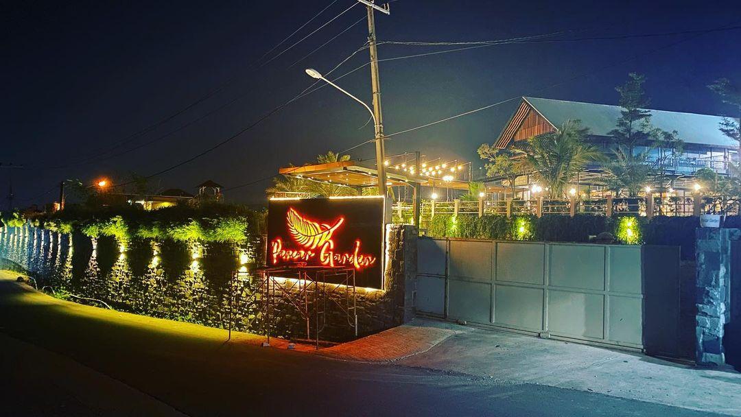 cafe outdoor dekat jakarta rekomended