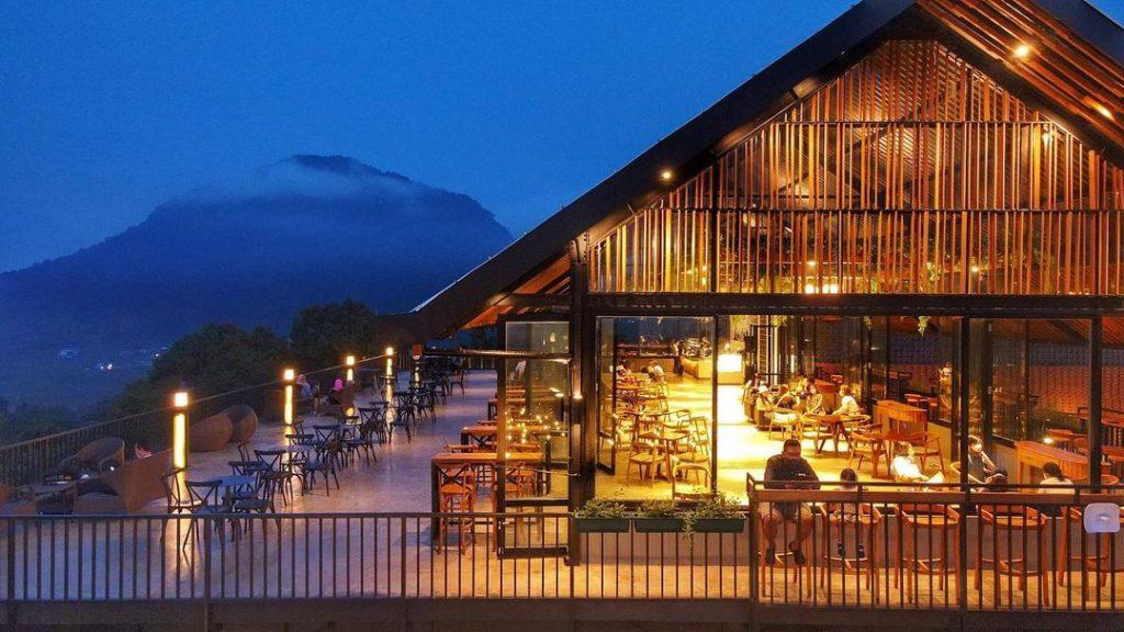 cafe outdoor terbaru di sentul