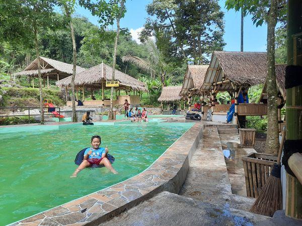 wisata kolam renang alami di bogor